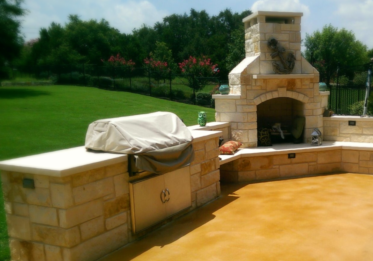 Outdoor Kitchen, Fireplace and Patio