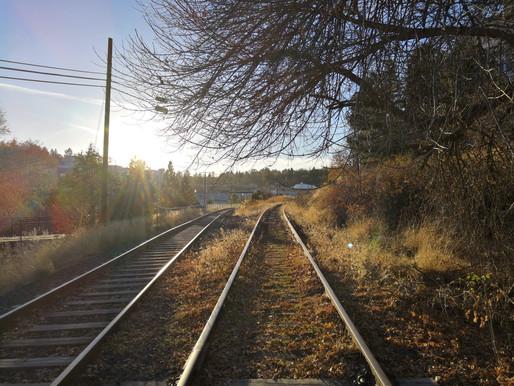 Haibun Postcard: from the railroad tracks near Reaney Park, Pullman