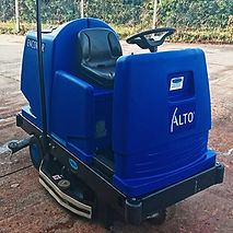 used ride on scrubber drier cambridge