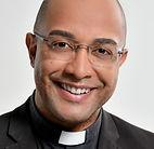 Padre Fabiano Roberto.jpg