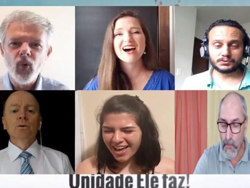 Representantes de diferentes denominações cristãs cantam o hino da CFE 2021