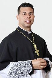 Padre Douglas.jpg