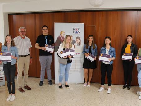 HAK OP österreichweit erste Schule, an der SchülerInnen alle 3 Prüfungen der MOS-Zertifizierungen ab