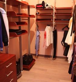 отдельная комната для гардероба