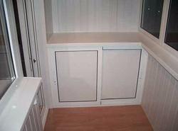 Алюминиевый шкафчик на балконе