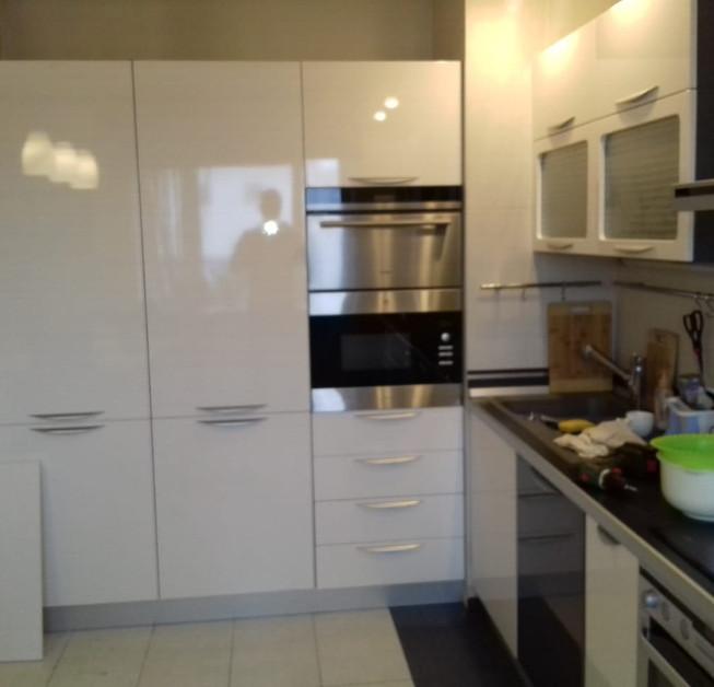 Замена кухонных фасадов с серого на белый