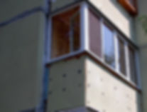 Остекление Г-образного балкона в Красноярске окнами ПВХ