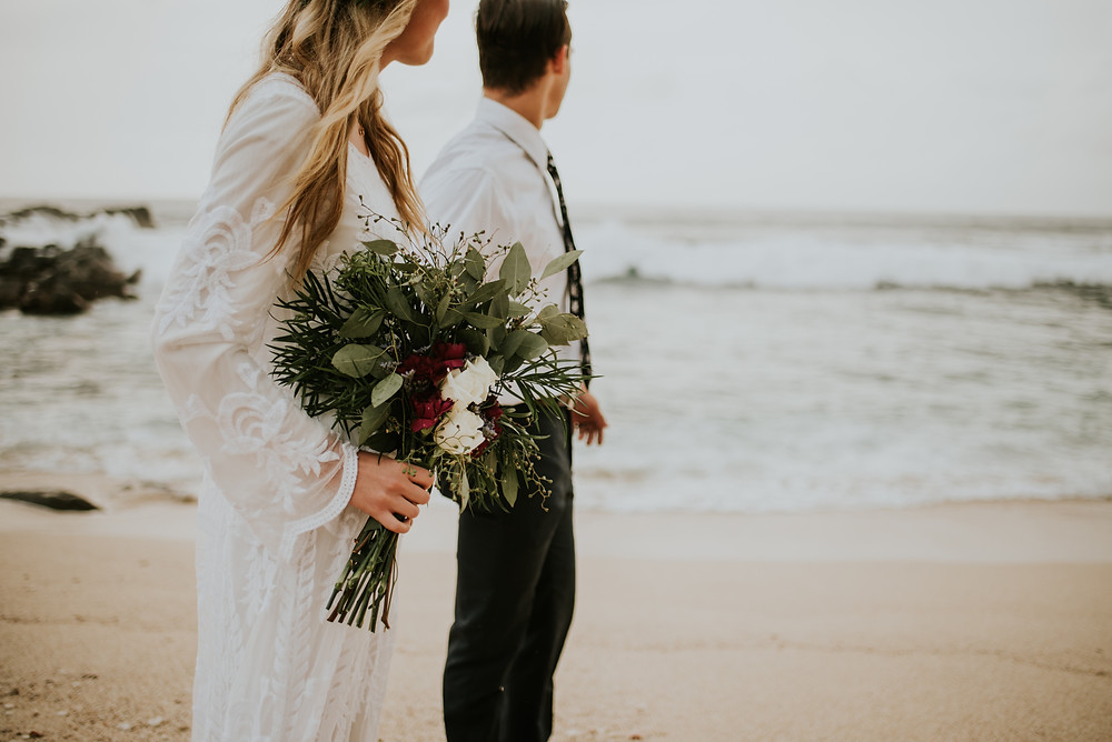Oahu hawaii elopement photographer