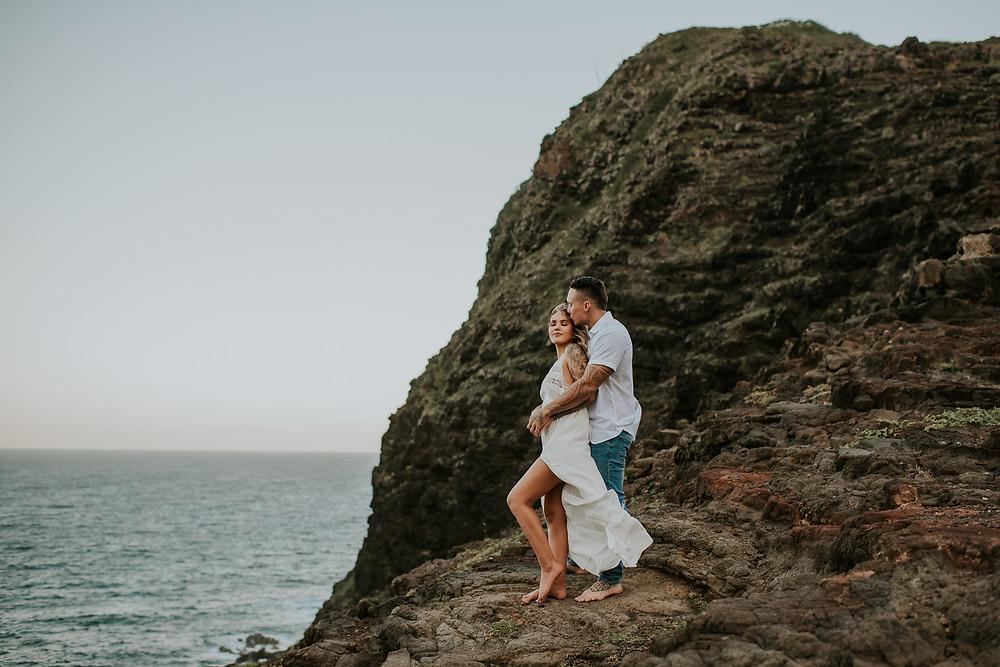 hawaii adventure engagement photoshoot
