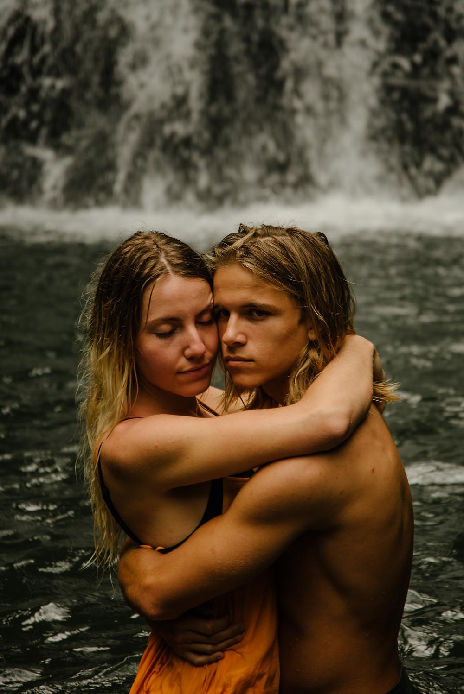 hawaii couples photographer