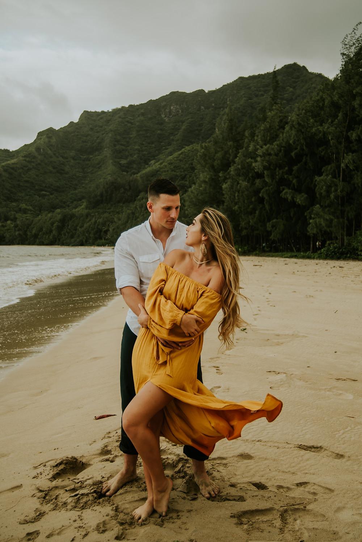 Oahu engagement photographer