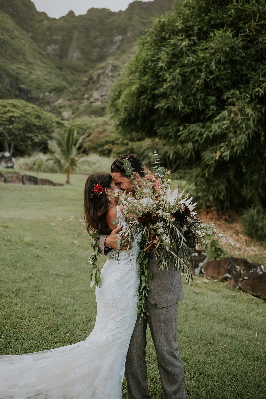 emotional Oahu photographer