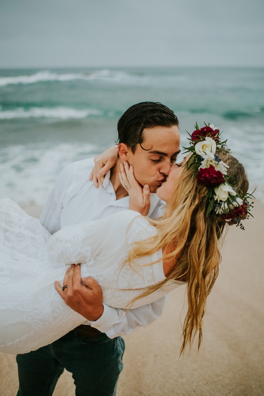 beach elopement photographer