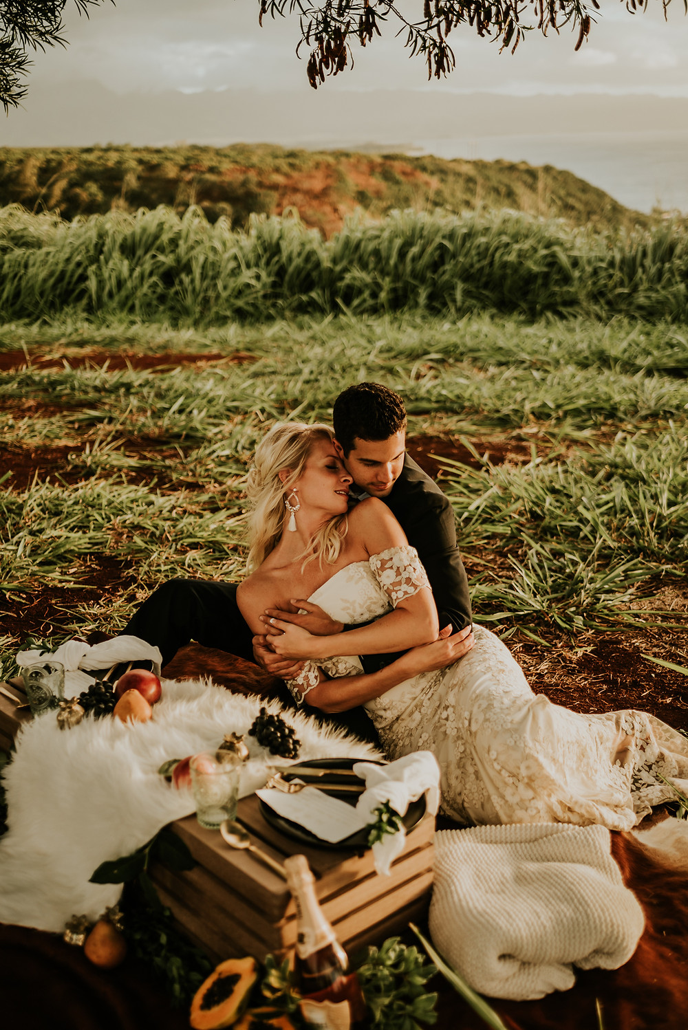 styled elopement photographer oahu hawaii