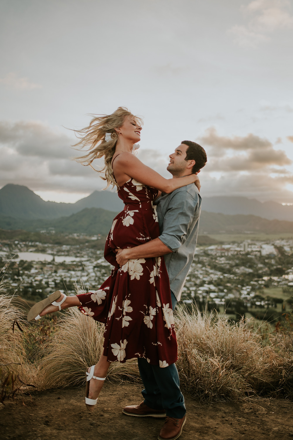 oahu hawaii engagement photographer