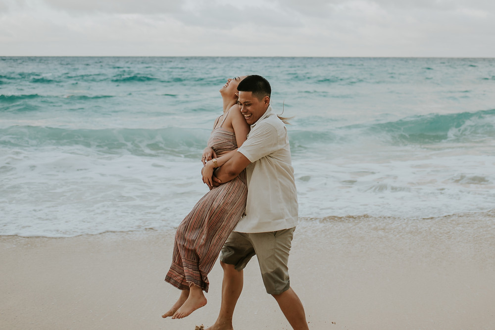 Oahu hawaii engagement session