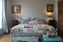 chambre_d hôte_charente_maritime_royan_pons_saintes_la_grenade_bleue_table_d hôte_massages