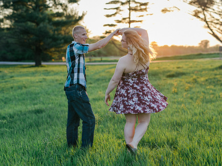 Miranda & Joe // Having Fun with Engagement Photos