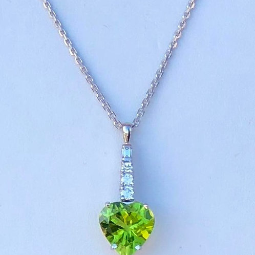 Peridot Heart Diamond Pendant 14kt White Gold