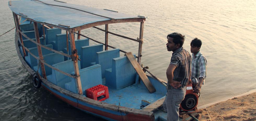 07 BoatTrip.jpg