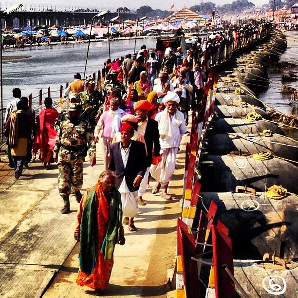 #kumbha #india #people #bridge #ganga #crowd #cross #mela