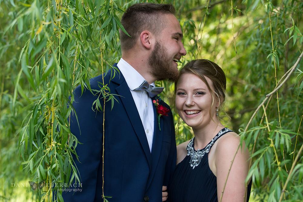Fort Wayne prom portrait in willow tree