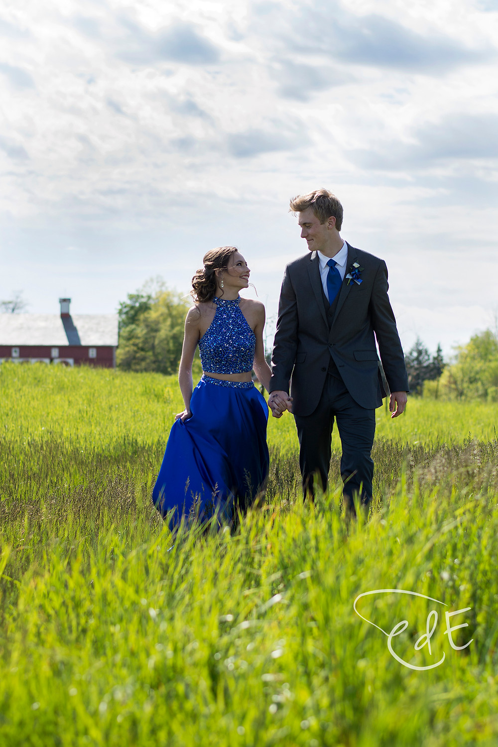 Couple in prom attire at Salomon Farm