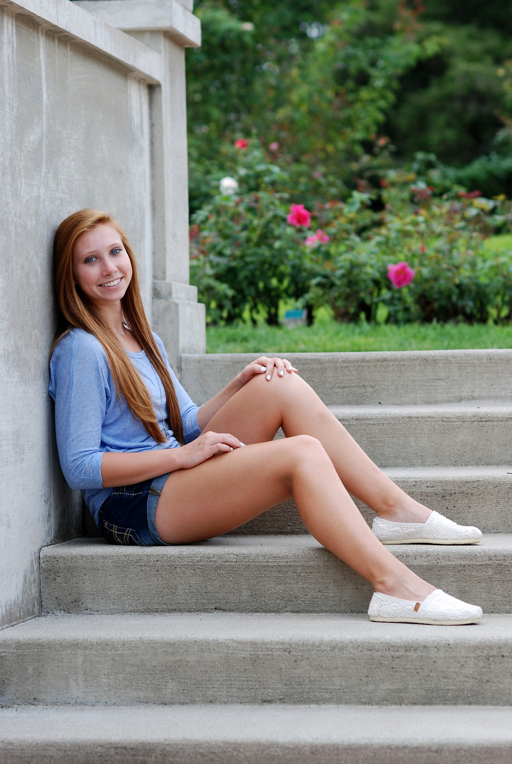 Summer senior pictures at Lakeside in Fort Wayne