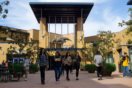 University of California Irvine (加州大學爾灣分校)