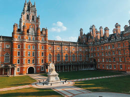 Royal Holloway, University of London (倫敦大學皇家哈洛威學院)