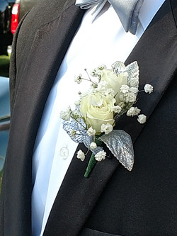 White Sweetheart Boutonniere