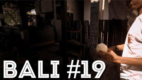 Click here to watch: COCONUT SPONGE 🌴 IN BALI... FINALLY!!