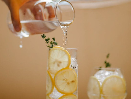 Água saborizada: benefícios e receitas