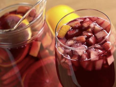 8 Receitas simples de drinks com água com gás sem álcool