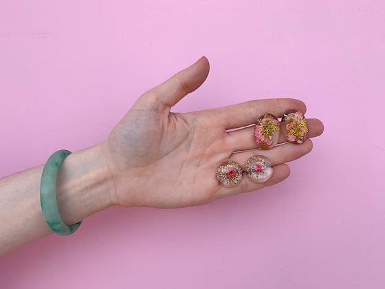 Round Resin Flower Earrings