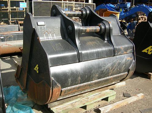 B0018 - Godet Rétro 165 cm / 2010 litres