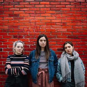 Sarah, Emma, & Evora:: Model