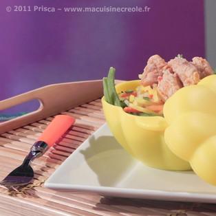 Poulet mariné au paprika et petits légumes en papillote