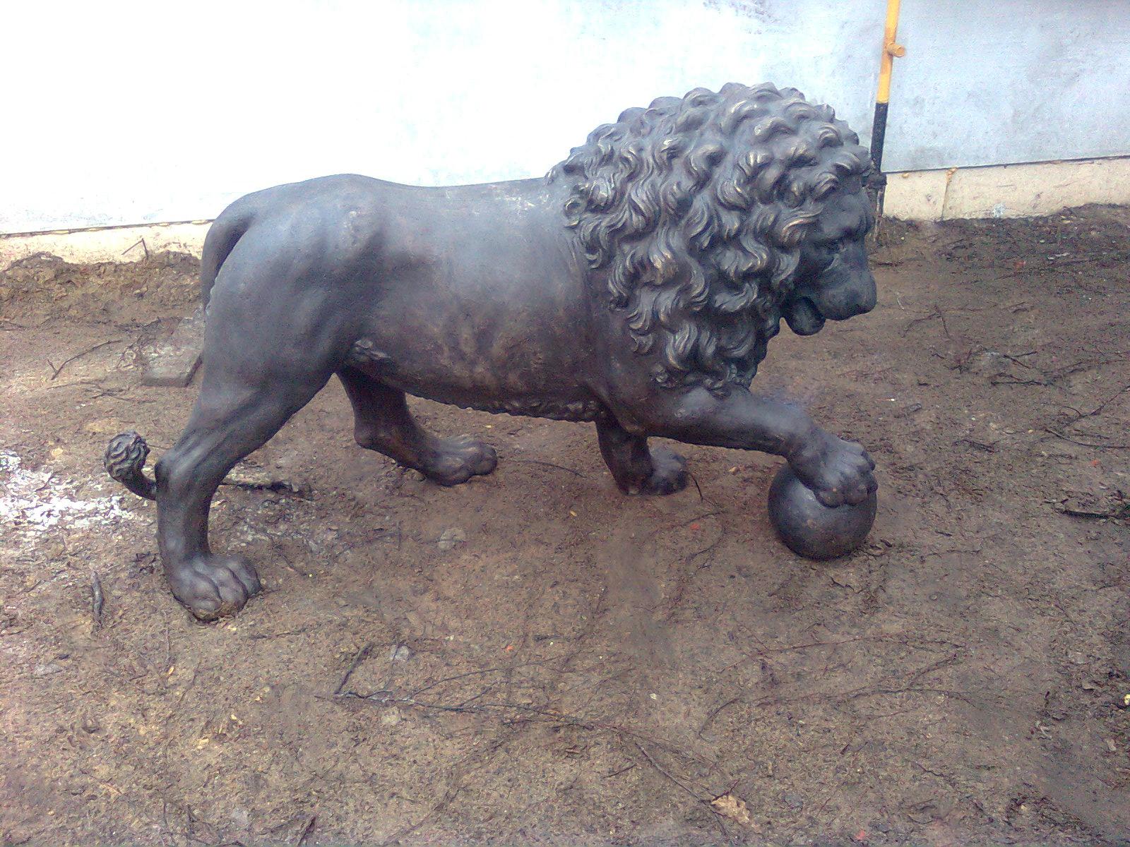 ЛЬВЫ И СКАЗКИ / LIONS ANS TALES