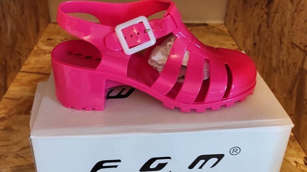 Chaussure de plage rose