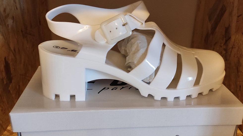 Chaussure de plage blanc