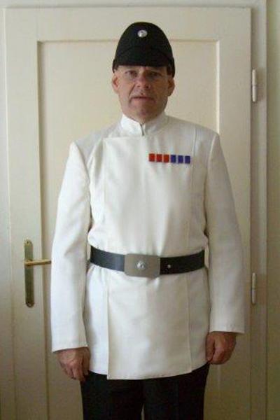 herbert-l-imperialer-offizier-weiß.jpg