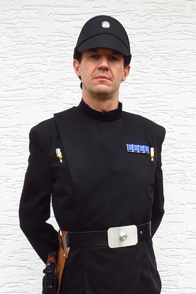 gerald-s-imperialer-offizier.jpg