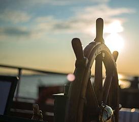 boat-steering-wheel-2-e1519046140287.jpg