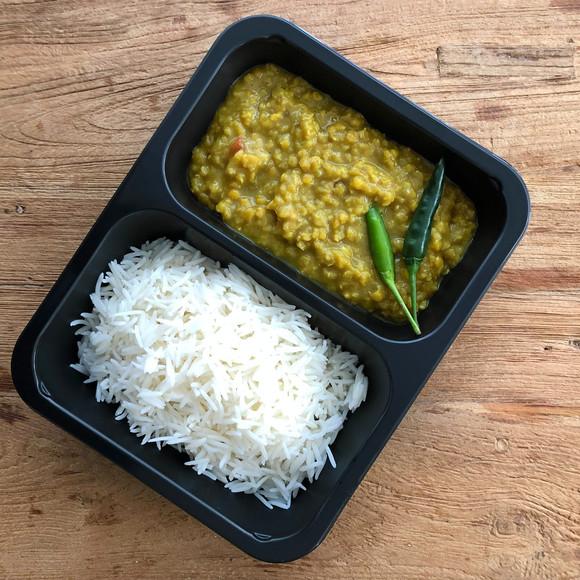 Witte basmati rijst met rode linzen in k