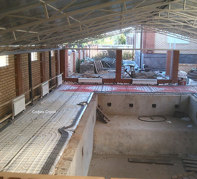 радиаторы отопления, теплый пол в бассейне
