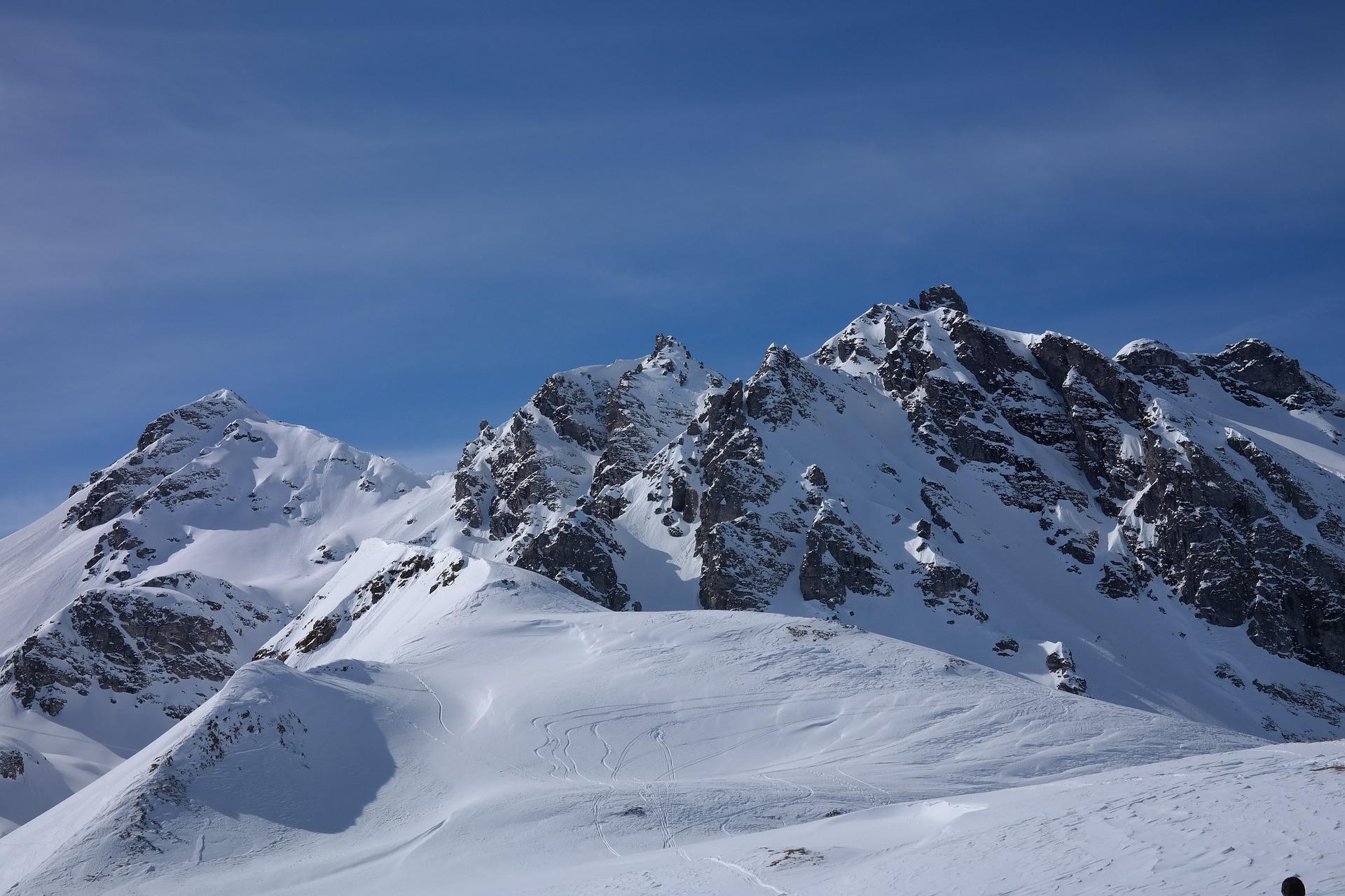 mountain-999699_1920