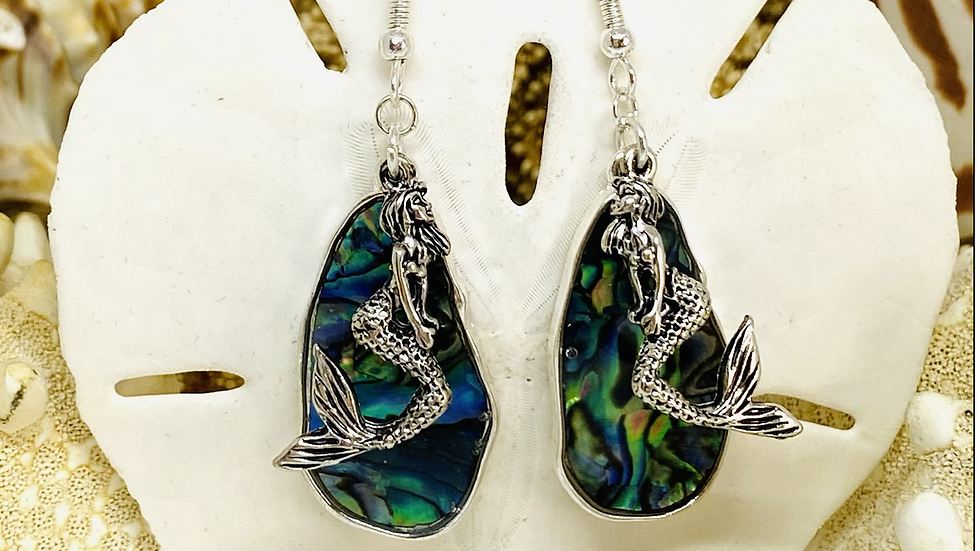 Mother of pearl mermaid earrings 🧜‍♀️