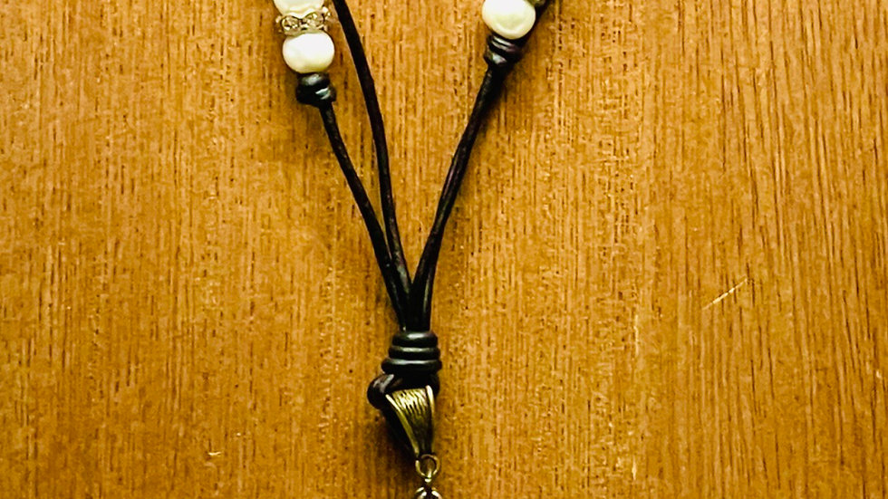 Mermaid black leather and Pearl necklace
