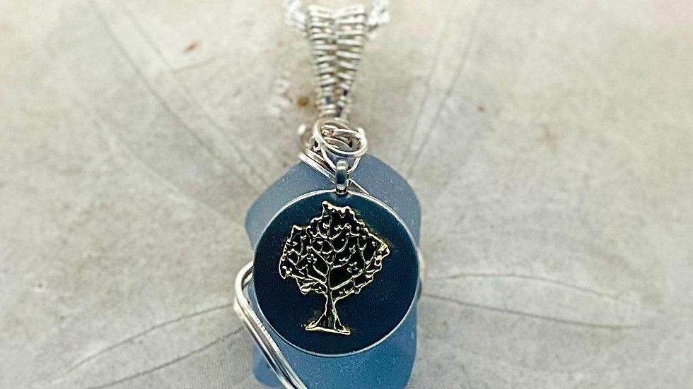 Beautiful Cauliflower seaglass with tree of life pendant